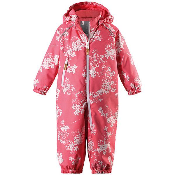 Комбинезон Dropple Reimatec® ReimaВерхняя одежда<br>Характеристики товара:<br><br>• цвет: розовый;<br>• состав: 100% полиамид, полиуретановое покрытие;<br>• подкладка: 100% полиэстер;<br>• утеплитель 80 гр;<br>• сезон: демисезон;<br>• температурный режим: от -10° до +5°С;<br>• водонепроницаемость: 8000 мм;<br>• воздухопроницаемость: 7000 мм;<br>• износостойкость: 30000 циклов (тест Мартиндейла);<br>• застёжка: молния с защитой подбородка;<br>• основные швы проклеены и не пропускают влагу;<br>• водо- и ветронепроницаемый, «дышащий» и грязеотталкивающий материал;<br>• гладкая подкладка из полиэстера;<br>• безопасный съёмный капюшон;<br>• эластичные манжеты на рукавах и брючинах;<br>• внутренняя регулировка обхвата талии;<br>• карман на молнии;<br>• съёмные эластичные штрипки;<br>• светоотражающие детали;<br>• страна бренда: Финляндия.<br><br>При изготовлении демисезонного комбинезона использован водоотталкивающий материал, а все основные швы проклеены и водонепроницаемы. Этот материал очень функциональный — он ветронепроницаемый и грязеотталкивающий, но при этом отлично пропускает воздух. Гладкая подкладка из полиэстера облегчает надевание и не сковывает движения во время игр на свежем воздухе. <br><br>Съемный капюшон обеспечивает дополнительную безопасность во время прогулок, а съемные эластичные штрипки не дают брючинам задираться. В комбинезоне множество продуманных элементов, например, карман на молнии и светоотражатели. Невероятно удобный комбинезон для активных любителей прогулок в любую погоду.<br><br>Комбинезон Reima от финского бренда Reima (Рейма) можно купить в нашем интернет-магазине.<br>Ширина мм: 356; Глубина мм: 10; Высота мм: 245; Вес г: 519; Цвет: розовый; Возраст от месяцев: 6; Возраст до месяцев: 9; Пол: Унисекс; Возраст: Детский; Размер: 74,98,92,86,80; SKU: 7636401;