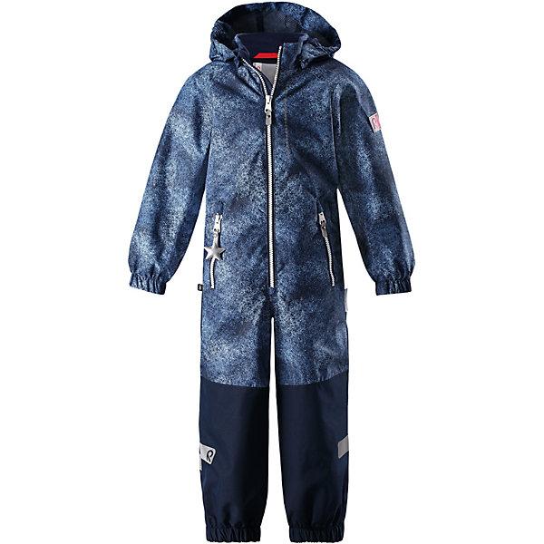 Комбинезон Kiddo Karikko Reimatec® Reima для мальчикаВерхняя одежда<br>Характеристики товара:<br><br>• цвет: синий;<br>• состав: 100% полиамид, полиуретановое покрытие;<br>• подкладка: 100% полиэстер;<br>• без дополнительного утепления;<br>• сезон: демисезон;<br>• температурный режим: от +5° до +15°С;<br>• водонепроницаемость: 8000/10000 мм;<br>• воздухопроницаемость: 7000/5000 мм;<br>• износостойкость: 30000/50000 циклов (тест Мартиндейла);<br>• застёжка: молния с защитой подбородка;<br>• все швы проклеены и не пропускают влагу;<br>• водо- и ветронепроницаемый, «дышащий» и грязеотталкивающий материал;<br>• водо- и грязеотталкивающая пропитка без содержания фторуглеродов BIONIC-FINISH®ECO;<br>• очень прочные усиленные вставки на штанинах;<br>• сетчатая подкладка вдоль тела, гладкая подкладка из полиэстера на рукавах и брючинах;<br>• безопасный съёмный капюшон;<br>• эластичные манжеты на рукавах и брючинах;<br>• внутренняя регулировка обхвата талии;<br>• карман со специальными креплениями для сенсора ReimaGO® в моделях 104 размера и более<br>• два кармана на молнии;<br>• прочные силиконовые штрипки;<br>• светоотражающие детали;<br>• страна бренда: Финляндия.<br><br>Детский водонепроницаемый комбинезон Reimatec® Kiddo щеголяет свежими весенними расцветками и множеством практичных деталей! Он сшит из ветронепроницаемого и дышащего материала, обладающего водо- и грязеотталкивающими свойствами. Все швы в нем герметично запаяны, поэтому даже ливень не помешает веселым играм на свежем воздухе! <br><br>Нижняя часть изготовлена из высокопрочного материала. Красивая и гладкая подкладка поможет одеться легко и быстро. Безопасный съемный капюшон легко отстегивается, если случайно за что-нибудь зацепится, а все найденные за день маленькие сокровища будут надежно спрятаны в карманах на молнии со светоотражающими элементами.<br><br>Комбинезон Reima от финского бренда Reima (Рейма) можно купить в нашем интернет-магазине.<br>Ширина мм: 356; Глубина мм: 10; Высота мм: 245; Вес г: 519