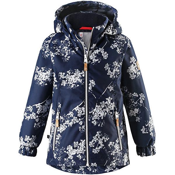 Куртка Anise Reimatec® Reima для девочкиОдежда<br>Характеристики товара:<br><br>• цвет: синий принт;<br>• состав: 100% полиамид, полиуретановое покрытие;<br>• подкладка: 100% полиэстер;<br>• утеплитель 80 гр;<br>• сезон: демисезон;<br>• температурный режим: от -10° до +5°С;<br>• водонепроницаемость: 8000 мм;<br>• воздухопроницаемость: 7000 мм;<br>• износостойкость: 30000 циклов (тест Мартиндейла);<br>• застёжка: молния с защитой подбородка;<br>• водо- и  ветронепроницаемый, дышащий и грязеотталкивающий материал;<br>• водо- и грязеотталкивающая пропитка без содержания фторуглеродов BIONIC-FINISH®ECO;<br>• основные швы проклеены и не пропускают влагу;<br>• гладкая подкладка из полиэстера;<br>• безопасный съёмный капюшон;<br>• регулируемый обхват талии и подол;<br>• карман с креплениями для сенсора ReimaGO®;<br>• два кармана на молнии;<br>• светоотражающие детали;<br>• страна бренда: Финляндия.<br><br>Красивая, удлиненная демисезонная куртка для детей эффективно защищает от ветра. Дышащий материал также является водо- и грязеотталкивающим, а основные швы данной куртки проклеены для создания водонепроницаемости. Гладкая подкладка из полиэстера облегчает одевание и превращает его в веселый процесс. Отстегивающийся капюшон и светоотражающие детали обеспечивают безопасность во время прогулок в поисках впечатлений, а карманы с клапанами идеально подходят для хранения маленьких ценностей.<br><br>Куртку Reima от финского бренда Reima (Рейма) можно купить в нашем интернет-магазине.<br>Ширина мм: 356; Глубина мм: 10; Высота мм: 245; Вес г: 519; Цвет: синий; Возраст от месяцев: 18; Возраст до месяцев: 24; Пол: Женский; Возраст: Детский; Размер: 110,104,98,92,140,134,128,122,116; SKU: 7636788;