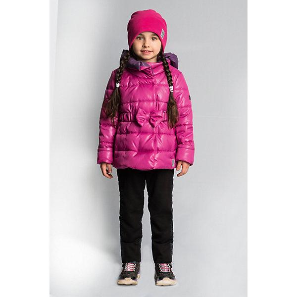 Комплект BOOM by Orby для девочкиВерхняя одежда<br>Характеристики товара:<br><br>• цвет: розовый/черный;<br>• ткань верха (куртка): таффета oil cire pu; таффета pu milky(100% ПЭ);<br>• ткань верха (брюки):  костюмный трикотаж с начесом;<br>• подкладка (куртка): поликоттон; ПЭ пуходержащий  (90% хлопок, 10% ПЭ);<br>• подкладка (брюки): флис; ПЭ пуходержащий (70% вискоза, 30% ПЭ);<br>• утеплитель: Flexy Fiber 150 г/м2;<br>• сезон: демисезон;<br>• температурный режим: от -5 до +10°С;<br>• эластичный ремень на талии с бантом;<br>• эластичные манжеты;<br>• два кармана;<br>• зауженные брюки на лямках;<br>• тип куртки: приталенная, стеганая;<br>• капюшон: съемный;<br>• страна бренда: Россия.<br><br>Комплект: куртка и брюки BOOM by Orby для девочки выполнен из практичной, качественной и износостойкой ткани. Куртка выполнена в ярком розовом цвете, брюки в универсальном черном цвете. Гипоаллергенный утеплитель куртки защитит в прохладную погоду. Тёплый и очень женственный комплект для малышек. Приталенная курточка с бантом на поясе и зауженные брюки с подтяжками - идеально для маленьких модниц.  Комплект подойдет и для прогулок и для школы/сада. <br><br>Комплект: куртку и брюки BOOM by Orby для девочки можно купить в нашем интернет-магазине.<br>Ширина мм: 356; Глубина мм: 10; Высота мм: 245; Вес г: 519; Цвет: розовый; Возраст от месяцев: 12; Возраст до месяцев: 18; Пол: Женский; Возраст: Детский; Размер: 86,122,116,110,104,98,92; SKU: 7709016;