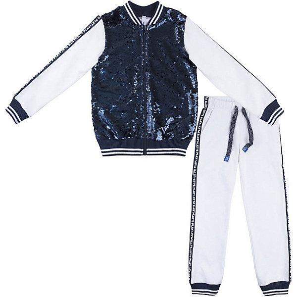 Спортивный костюм PlayToday для девочкиСпортивная одежда<br>Характеристики товара:<br><br>• цвет: белый/синий;<br>• состав ткани: 80% хлопок, 20% полиэстер;<br>• сезон: демисезон;<br>• в комплекте: толстовка и брюки;<br>• толстовка на молнии;<br>• горловина, манжеты и низ изделия на мягкой трикотажной резинке;<br>• брюки на широкой резинке с шнурком-утяжкой;<br>• низ штанин на трикотажной резинке;<br>• карманы;<br>• декорирован пайетками;<br>• коллекция: Весёлые старты;<br>• страна бренда: Германия.<br><br>Комплект выполнен из футера. Толстовка на молнии, полочка декорирована реверсивными пайетками. Горловина, манжеты и низ изделия на мягких трикотажных резинках. Брюки на широкой резинке, не сдавливающей живот ребенка, с встрочными карманами. Пояс дополнен регулируемым шнуром - кулиской с добавлением люрексной нити. Низ штанин на трикотажных резинках. Брюки дополнены задним карманом с реверсивными пайетками.<br><br>Комплект PlayToday (ПлэйТудэй) можно купить в нашем интернет-магазине.<br>Ширина мм: 215; Глубина мм: 88; Высота мм: 191; Вес г: 336; Цвет: белый; Возраст от месяцев: 36; Возраст до месяцев: 48; Пол: Женский; Возраст: Детский; Размер: 104,146/152,134/140,122,128,116,110; SKU: 7716522;