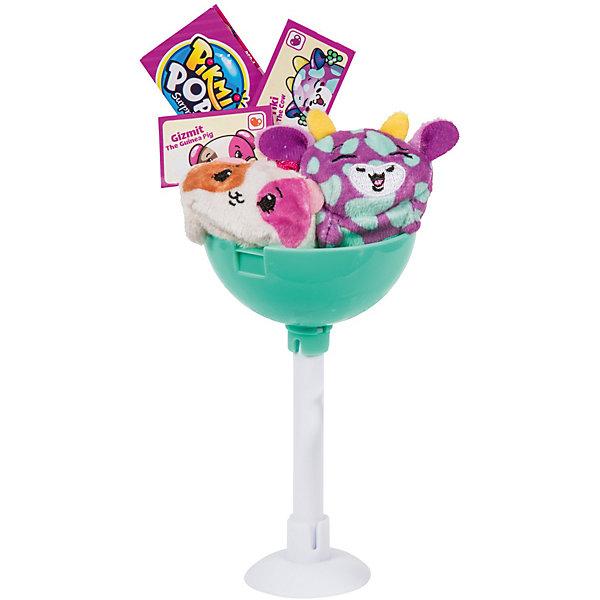 Набор-сюрприз Moose Pikmi Pops, 2 герояМягкие игрушки животные<br>Характеристики:<br><br>• возраст: от 5 лет;<br>• материал: пластик, плюш;<br>• в наборе: 2 игрушки, 2 сообщения-сюрприза, 3 шнурка, 3 предмета-сюрприза, брошюра коллекционера, подставка в виде чупа-чупса;<br>• вес упаковки: 67 гр.;<br>• размер упаковки: 7,6х7х15,2 см;<br>• страна бренда: Австралия;<br>• товар в ассортименте.<br><br>Набор-сюрприз Pikmi Pops от бренда Moose включает забавных плюшевых героев на шнурке. Их можно подвесить на ключи или сумочку. Кроме того, в наборе есть дополнительные аксессуары: наклейки, ремешок, фигурка.<br><br>Игрушки выполнены в ярком дизайне и обаладают одним из 12 вкусных ароматов коллекции. Серия включает 45 мягких фигурок. Какие попадутся в наборе ребенок сможет узнать только после распаковки.<br><br>Хранить игрушку можно в оригинальной упаковке в форме чупа-чупса. Изготовлено из качественных безопасных материалов.<br><br>Набор-сюрприз Pikmi Pops можно купить в нашем интернет-магазине.<br>Ширина мм: 100; Глубина мм: 100; Высота мм: 232; Вес г: 150; Возраст от месяцев: 60; Возраст до месяцев: 96; Пол: Унисекс; Возраст: Детский; SKU: 7979618;