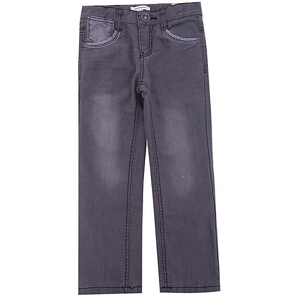 Джинсы 3pommes для мальчикаДжинсы<br>Характеристики товара:<br><br>• цвет: серый<br>• состав ткани: 62% хлопок, 38% полиэстер<br>• сезон: демисезон<br>• застежка: пуговица<br>• шлевки<br>• страна бренда: Франция<br><br>Такие джинсы для детей отличаются прямым силуэтом. Удобные джинсы для ребенка от известного бренда 3 Pommes - отличная базовая вещь для детского гардероба. Эти детские джинсы от 3 Pommes выделяются хорошим качеством и удобной посадкой. <br><br>Джинсы 3 Pommes (3 Поммис) для мальчика можно купить в нашем интернет-магазине.<br>Ширина мм: 215; Глубина мм: 88; Высота мм: 191; Вес г: 336; Цвет: темно-серый; Возраст от месяцев: 48; Возраст до месяцев: 60; Пол: Мужской; Возраст: Детский; Размер: 110,116,104,152,140,128; SKU: 8274451;