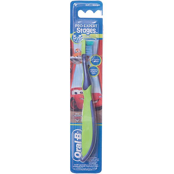 Детская зубная щетка Oral-B Stages 5-7 лет, серо-зеленаяЗубные щетки<br>Характеристики:<br><br>• зубная щетка разработана для детей 5-7 лет;<br>• очищает труднодоступные задние зубы;<br>• защита и массирование десен;<br>• оформление в стиле Дисней.<br><br>Детская зубная щетка Oral-B разработана для детей 5-7 лет, у которых начинают прорезываться моляры, а некоторые молочные зубы выпадают. Зубная щетка позволяет очищать зубы не только с одной стороны, но и достать задние зубы, охватывает и чистит каждый зуб. Зубная щетка оформлена в стиле Дисней. <br><br>Детская зубная щетка Oral-B Stages 5-7 лет можно купить в нашем интернет-магазине.<br>Ширина мм: 42; Глубина мм: 21; Высота мм: 228; Вес г: 25; Цвет: grau/gr?n; Возраст от месяцев: 72; Возраст до месяцев: 84; Пол: Унисекс; Возраст: Детский; SKU: 8304557;