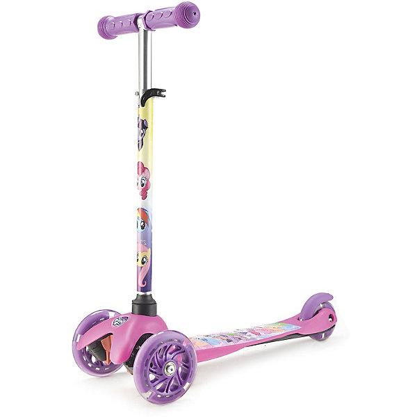 Самокат Hasbro. My little PonyСамокаты<br>Характеристики товара:<br><br>• возраст: от 3 лет;<br>• цвет: розовый;<br>• материал: алюминий, резина, пластик;<br>• материал колес: полиуретан;<br>• диаметр передних колес: 12 см;<br>• диаметр задних колес: 8 см;<br>• высота: 65 см;<br>• ширина руля: 25,5см;<br>•  длина: 55 см;<br>• размер деки: 31х11см;<br>• вес: 1,8 кг;<br>• подшипники: ABEC -7;<br>• нагрузка самоката: до 25 кг.<br>• страна бренда: Китай;<br>• бренд: Next.<br><br>Детский трехколесный самокат, выполненный в стиле Hasbro. My little Pony способен научить малышей держать равновесие, совершенствовать координацию движений и станет главным спортивным агрегатом на прогулке.<br><br>Управление самокатом осуществляется поворотом ручной стойки, которую можно регулировать по высоте по мере роста ребенка (50-65 см). Платформа имеет антискользящее покрытие, что гарантирует устойчивость на ней. Максимальная нагрузка самоката – 25 кг.<br><br>У изделия яркий дизайн, а колесики при езде светятся. Такой самокат обязательно понравится ребенку. А родители могут не беспокоиться за безопасность малыша благодаря очень устойчивой трехколесной конструкции, созданной специально для начинающих любителей активного отдыха.<br><br>Трехколесный самокат Hasbro. My little Pony можно купить в нашем интернет-магазине.<br>Ширина мм: 550; Глубина мм: 650; Высота мм: 260; Вес г: 2170; Цвет: розовый; Возраст от месяцев: 24; Возраст до месяцев: 60; Пол: Женский; Возраст: Детский; SKU: 8320457;