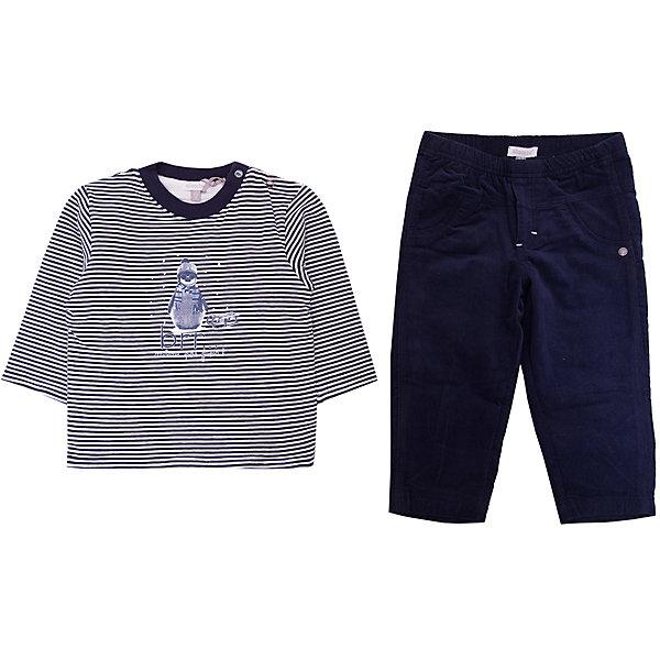 Комплект: Футболка,брюки Absorba для мальчикаКомплекты для новорожденных<br>Характеристики товара:<br><br>• цвет: синий;<br>• комплектация: лонгслив, брюки;<br>• состав ткани: 100% хлопок / 95% хлопок, 5% эластан;<br>• сезон: демисезон;<br>• застежка: кнопки;<br>• длинные рукава; <br>• страна бренда: Франция.<br><br>Этот детский комплект состоит из лонгслива и брюк. Выполненный в универсальном практичном цвете, выглядит он симпатично и модно. Удобный комплект для детей сделан преимущественно из мягкого натурального хлопка, который позволяет коже дышать и не вызывает аллергии. Комплект для ребенка снабжен кнопками, чтобы его можно было легко одеть на малыша. Детская одежда от известного бренда Absorba из Франции пользуется популярностью во многих странах благодаря стильному внешнему виду и высокому качеству.<br><br>Комплект: лонгслив, брюки Absorba (Абсорба) для мальчика можно купить в нашем интернет-магазине.<br>Ширина мм: 199; Глубина мм: 10; Высота мм: 161; Вес г: 151; Цвет: синий; Возраст от месяцев: 6; Возраст до месяцев: 9; Пол: Мужской; Возраст: Детский; Размер: 74,71,68,86,55-61,80; SKU: 8328390;