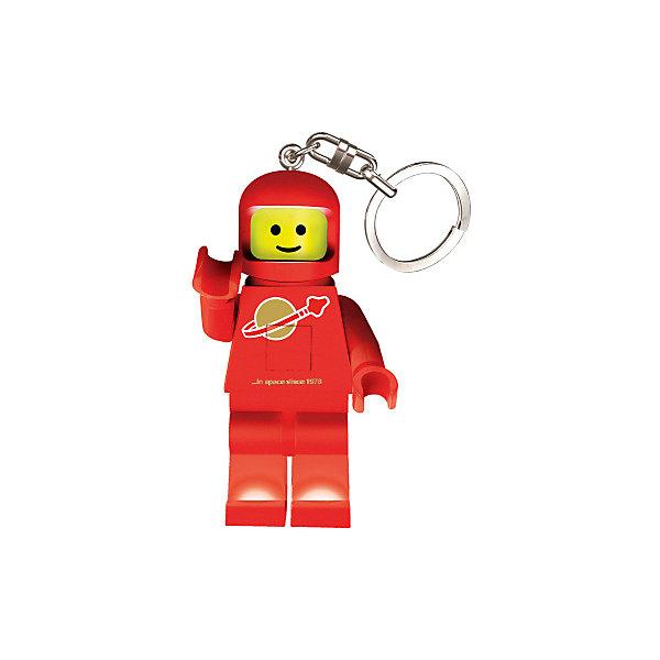Брелок-фонарик для ключей LEGO Classic Spaceman, белыйАксессуары для ранцев и рюкзаков<br>Характеристики:<br><br>• возраст: от 5 лет;<br>• материал: пластик, металл;<br>• высота мини-фигурки: 8,1 см;<br>• тип батареек: 2хCR2025 3V;<br>• наличие батареек: в комплекте;<br>• вес упаковки: 64 гр.;<br>• размер упаковки: 9,7х4,1х15 см;<br>• страна бренда: Дания.<br><br>Брелок-фонарик Lego Classic Spaceman выполнен в виде космонавта. Элементы фигурки отлично проработаны, лицо и части одежды детально прорисованы.<br><br>У фигурки подвижные ножки, в которые встроены светодиодные лампочки. Фонарик загорается при нажатии на небольшую кнопку. Кроме того, у игрушки двигаются руки и голова. Брелок можно прикрепить на ключи или сумку за металлическое колечко. Сделано из прочных качественных материалов.<br><br>Брелок-фонарик для ключей LEGO Classic - Spaceman (цвет: красный) можно купить в нашем интернет-магазине.<br>Ширина мм: 97; Глубина мм: 41; Высота мм: 150; Вес г: 64; Возраст от месяцев: 72; Возраст до месяцев: 2147483647; Пол: Мужской; Возраст: Детский; SKU: 8335776;