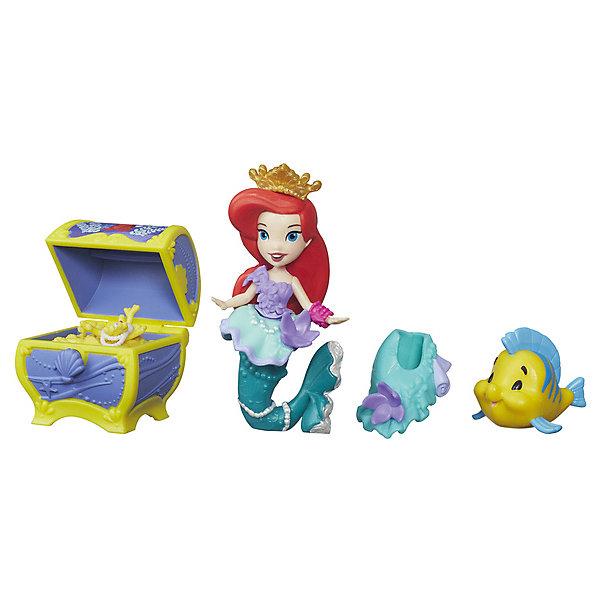 Игровой набор с мини-куклой Disney Princess Маленькое королевство АриэльПопулярные игрушки<br>Характеристики:<br><br>• возраст: от 4 лет;<br>• материал: ABC-пластик, ПВХ;<br>• высота мини-куклы: 7,5 см;<br>• в наборе: мини-кукла, фигурка друга принцессы, аксессуары;<br>• вес упаковки: 105 гр.;<br>• размер упаковки: 17,7х2,5х17,7 см;<br>• страна бренда: США.<br><br>Набор Hasbro Disney Princess из серии «Маленькое королевство» включает фигурку очаровательной Ариэль в роскошном наряде, который можно дополнить украшениями.<br><br>Вместе с куколкой в наборе есть еще один персонаж из мультфильма «Русалочка» – рыбка Флаундер. Другие аксессуары по сюжету мультфильма позволят разыграть сценку с любимыми героями.<br><br>Мини-куколка очень похожа на свою экранную героиню, одежда выполнена в характерных для нее цветах, черты лица хорошо прорисованы. Набор сделан из качественных безопасных материалов.<br><br>Игровой набор с мини-куклой Disney Princess «Маленькое королевство» Ариэль можно купить в нашем интернет-магазине.<br>Ширина мм: 177; Глубина мм: 177; Высота мм: 40; Вес г: 91; Возраст от месяцев: 48; Возраст до месяцев: 96; Пол: Женский; Возраст: Детский; SKU: 8401603;