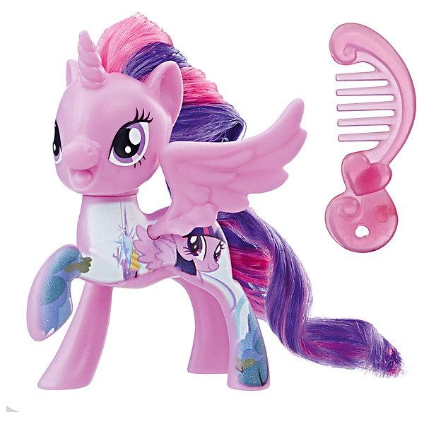 Фигурка My little Pony Пони-подружки Твайлайт Спаркл (Искорка)Фигурки из мультфильмов<br>Характеристики:<br><br>• возраст: от 3 лет;<br>• материал: пластик;<br>• высота фигурки: 7 см;<br>• в наборе: фигурка, аксессуар;<br>• вес упаковки: 55 гр.;<br>• размер упаковки: 4,8х12,7х15,2 см;<br>• страна бренда: США.<br><br>Фигурка Hasbro My little Pony из серии «Пони-подружки» в точности изображает героиню любимого детского мультсериала «Дружба – это чудо!». Очаровательная пони обладает ярким окрасом, большими глазками и длинной лоснящейся гривой. Гриву и хвостик можно причесывать. Голова фигурки крутится в разные стороны.<br><br>В наборе также есть аксессуар для пони. Фигурку небольшого размера удобно повсюду брать с собой. Собрав всю коллекцию серии, девочка сможет устраивать сюжетные игры. Набор выполнен из качественных безопасных материалов.<br><br>Фигурку My little Pony «Пони-подружки» Спаркл (Искорка) можно купить в нашем интернет-магазине.<br>Ширина мм: 40; Глубина мм: 126; Высота мм: 147; Вес г: 69; Возраст от месяцев: 36; Возраст до месяцев: 84; Пол: Женский; Возраст: Детский; SKU: 8401607;