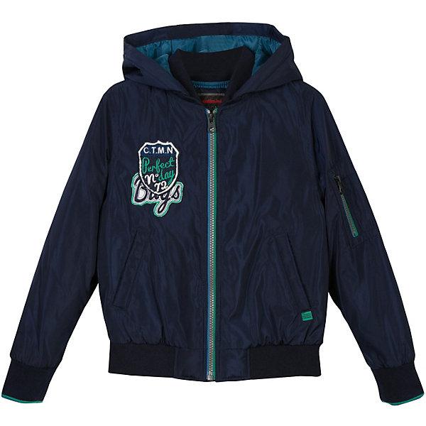 Куртка Catimini для мальчикаВерхняя одежда<br>Характеристики товара:<br><br>• цвет: синий;<br>• состав ткани: 100% Полиэстер;<br>• подкладка: 100% Полиэстер;<br>• набивка: 100% Полиэстер;<br>• сезон: демисезон;<br>• тип: пуховик;<br>• ткань водоотталкивающая;<br>• застежка: молния;<br>• капюшон НЕ съемный;<br>• эластичные манжеты;<br>• прорезные карманы;<br>• оригинальный принт;<br>• контрастная подкладка;<br>• страна бренда: Франция.<br><br>Куртка для мальчика от известного французского производителя Catimini это легкий и уютный пуховик на прохладную погоду в межсезонье. Универсальный синий цвет позволит создать бесконечное число образов с самым разным низом – джинсами, спортивными брюками и т.д.<br><br>Изделие отлично удерживает тепло, благодаря качественным материалам. На ощупь материал приятный и мягкий к телу, выглядит матовым, без глянцевого блеска.  Куртка Catimini снабжена большим несъемным капюшоном, прочной молнией и боковыми карманами и карманом на рукаве. Оригинальная нашивка на груди доавляет вещи индивидуальности.<br><br>Куртку для мальчика от Catimini  (Кантимини) можно купить в нашем интернет-магазине.<br>Ширина мм: 356; Глубина мм: 10; Высота мм: 245; Вес г: 519; Цвет: темно-синий; Возраст от месяцев: 48; Возраст до месяцев: 60; Пол: Мужской; Возраст: Детский; Размер: 110,140,122,116,128,104,152,158/164; SKU: 8549669;