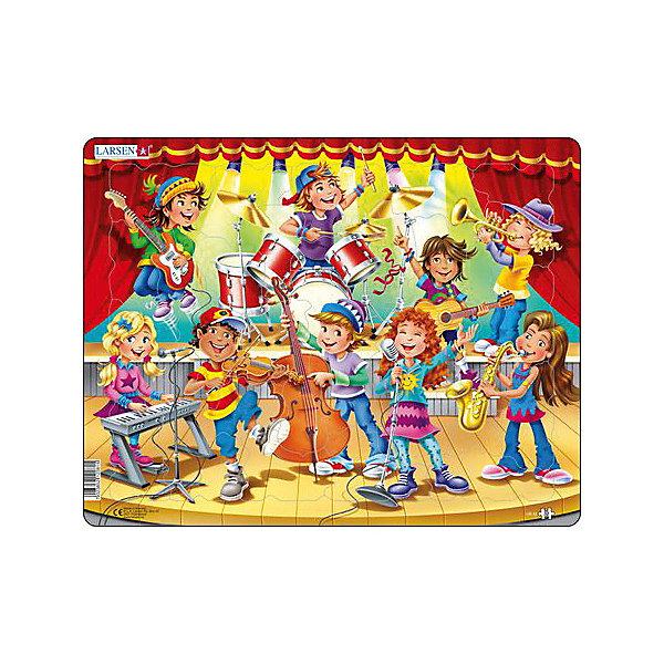 Пазл Larsen Музыкальная школа, 32 элементаПазлы для малышей<br>Характеристики:<br><br>• возраст: от 3 лет<br>• количество деталей: 32 шт.<br>• размер собранного пазла: 36,5х28,5 см.<br>• материал: трехслойный картон<br>• страна обладатель бренда: Норвегия<br><br>Пазл Ларсен «Музыкальная школа» позволит малышу собрать картинку, на которой изображены дети, играющие на музыкальных инструментах. Некоторые детали пазла имеют формы инструментов, таких как гитара, бас, виолончель, барабан, труба.<br><br>Элементы пазла изготовлены из высококачественного трехслойного картона, они не деформируются, легко берутся в руки, отлично стыкуются друг с другом. Все элементы пазла имеют разную форму и размер, что делает сборку картины еще более увлекательной. Пазл снабжен специальной подложкой, благодаря чему его удобно собирать.<br><br>Сборка пазла поможет развить внимательность, мелкую моторику рук, воображение, логическое мышление, зрительное восприятие, усидчивость.<br><br>Пазл Larsen Музыкальная школа можно купить в нашем интернет-магазине.