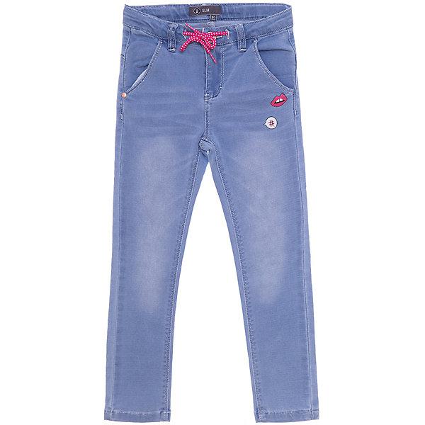 Джинсы ZДжинсы<br>Характеристики товара:<br><br>• состав ткани: 80% хлопок, 18% полиэстер, 2% спандекс;<br>• сезон: демисезон;<br>• талия: шнурок;<br>• шлевки;<br>• страна бренда: Франция.<br><br>Хлопковые детские джинсы голубого цвета отличаются классическим силуэтом и декором в виде небольшого принта. Эти джинсы для ребенка - отличный вариант удобной базовой вещи для детей, которая создает комфортные условия, не вызывает аллергии. Джинсы для детей стильно смотрится, они хорошо сочетаются с разным верхом. Детские товары от известного французского бренда Z Generation известны модным дизайном в европейском стиле и доступными ценами.