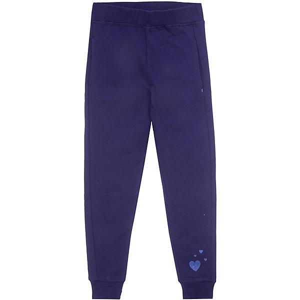 Брюки Z Generation для девочкиБрюки<br>Характеристики товара:<br><br>• цвет: синий;<br>• состав ткани: 100% хлопок;<br>• сезон: демисезон;<br>• талия: резинка;<br>• страна бренда: Франция.<br><br>Коллекции одежды и обуви для детей от известного бренда Z Generation - качественные вещи, которые помогут ребенку приучаться одеваться модно и со вкусом. Такие трикотажные леггинсы для детей от бренда Z Generation отличаются стильным дизайном от французских специалистов и высоким качеством проработки мельчайших деталей. Удобные детские брюки сделаны из эластичной хлопковой ткани, которая поможет создать комфортные условия для естественной теплорегуляции тела в любую погоду. Брюки для ребенка снабжены мягкой резинкой в талии, которая не давит на живот. <br><br>Брюки Z Generation (Зет Дженерейшен) для девочки можно купить в нашем интернет-магазине.
