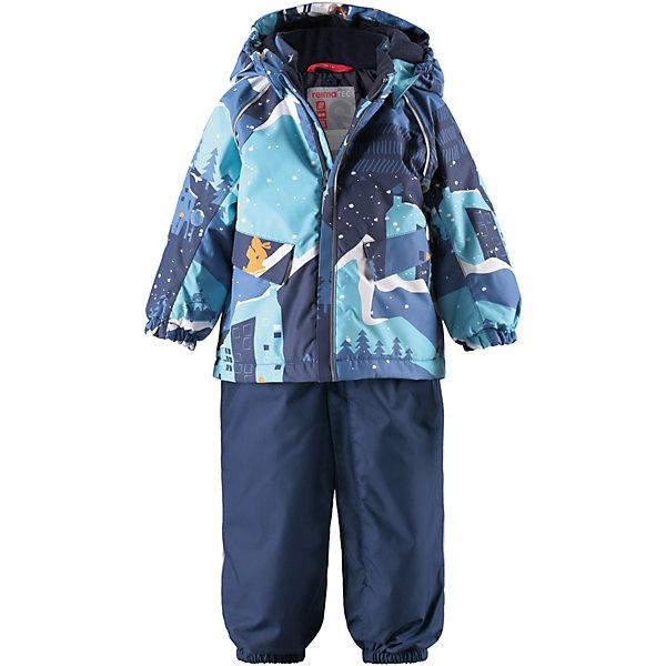 Комплект Reima Mjuk: куртка и полукомбинезонВерхняя одежда<br>Характеристики товара:<br> <br>• состав: 100% полиамид, полиуретановое покрытие <br>• подкладка: 100% полиэстер <br>• утеплитель: Reima® Flex 160/140 г/м2 <br>• сезон: зима <br>• температурный режим: от 0 до -20С <br>• водонепроницаемость: 15000 мм <br>• воздухопроницаемость: 7000 мм <br>• износостойкость: 40000 циклов (тест Мартиндейла) <br>• застежка: молния с защитой подбородка <br>• все швы запаяны и водонепроницаемы <br>• водо- и ветронепроницаемый, дышащий и грязеотталкивающий материал <br>• водо- и грязеотталкивающая пропитка без содержания фторуглеродов BIONIC-FINISH®ECO <br>• гладкая подкладка из полиэстера <br>• утеплённая задняя часть <br>• безопасный, съёмный и регулируемый капюшон <br>• регулируемый обхват талии <br>• высокая талия с регулируемыми подтяжками <br>• прочные силиконовые штрипки <br>• два кармана с кнопками <br>• петля для дополнительных светоотражающих деталей <br>• светоотражающие детали <br>• страна бренда: Финляндия<br><br>Отличная зимняя куртка для малышей! Основные швы в куртке проклеены, а сама она изготовлена из водо- и ветронепроницаемого, грязеотталкивающего материала. Гладкая подкладка и молния во всю длину облегчают надевание. Съемный капюшон защищает от ветра, к тому же он абсолютно безопасен – легко отстегнется, если вдруг за что-нибудь зацепится. Маленькие карманы на молнии надежно сохранят все сокровища.<br><br>Зимние брюки на подтяжках. Прочный материал хорошо проводит воздух, поэтому не парит, а все швы проклеены и водонепроницаемы — отличный вариант для активных игр на воздухе! Эти зимние брюки с высокой талией очень удобные: благодаря эластичной талии и регулируемым подтяжкам, они будут сидеть точно по фигуре. <br>Вся одежда Reima производится с запасом роста +6 см. Производитель рекомендует использовать термобелье и флисовую поддеву для сильных морозов.