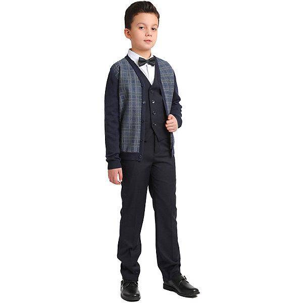 Комплект Scool для мальчикаКомплекты<br>Комплект Scool для мальчика<br>Комплект из жилета и брюк в деловом стиле сможет быть и школьной формой, и подойти для официальных и праздничных мероприятий.  Лекало этой модели полностью совпадает с лекалом модели для взрослого мужчины. Жилет на подкладке. Регулируемый ремешок на спинке позволяет изделию хорошо сесть по фигуре. Брюки со стрелками, на внутренней стороне пояса предусмотрена регулировка по талии за счет удобной резинки на пуговицах. Брюки дополнены встрочными карманами. Комплект из смесовой ткани с высоким содержанием вискозы. Вискоза облагает повышенной гигроскопичностью и отлично сохраняет тепло. Ребенку будет очень комфортно.<br>Состав:<br>Верх: 40% вискоза,60% полиэстер.Подкладка:40% вискоза,60% полиэстер.<br>Ширина мм: 174; Глубина мм: 10; Высота мм: 169; Вес г: 157; Цвет: темно-синий; Возраст от месяцев: 84; Возраст до месяцев: 84; Пол: Мужской; Возраст: Детский; Размер: 122,128,134,140,146,152,158,164; SKU: 8684824;