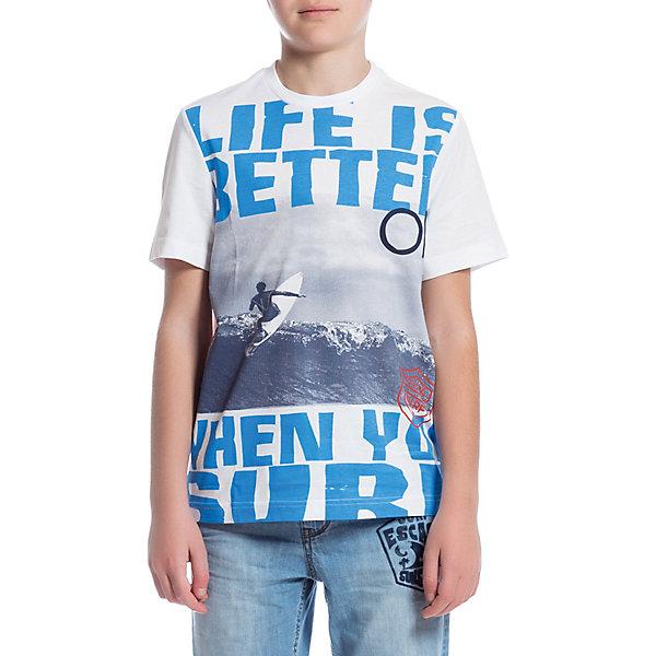 Футболка Original Marines для мальчикаФутболки, поло и топы<br>Характеристики товара:<br><br>• пол: мальчик;<br>• цвет: бело-голубой;<br>• состав ткани: 100% хлопок;<br>• сезон: лето;<br>• короткие рукава;<br>• страна бренда: Италия.<br><br>Хлопковая футболка для детей выполнена в универсальном цвете, но оригинально украшена ярким принтом. Эта футболка для детей отлично сочетается с различными шортами и брюками - можно создать модный и комфортный наряд в теплую погоду. Хлопковая футболка для ребенка обеспечит удобство благодаря мягкому и дышащему материалу. Детская футболка от итальянского бренда Original Marines - универсальная основа для множества стильных нарядов.