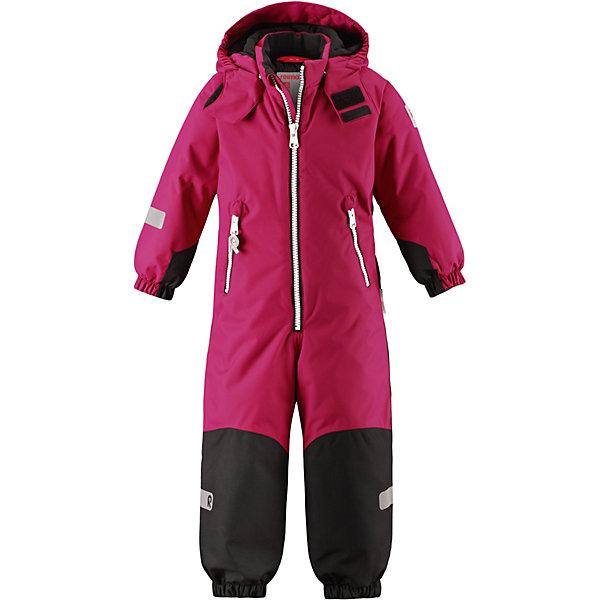 Утепленный комбинезон Reima FinnУтепленные<br>Характеристики товара:<br><br>• состав: 100% полиамид, полиуретановое покрытие <br>• подкладка: 100% полиэстер <br>• утеплитель: Reima® Soft Loft 160 г/м2<br>• температурный режим: от 0 до -20С <br>• сезон: зима <br>• водонепроницаемость: 8000 мм <br>• воздухопроницаемость: 7000мм <br>• износостойкость: 30000 циклов (тест Мартиндейла) <br>• водо- и ветронепроницаемый, дышащий и грязеотталкивающий материал <br>• водо- и грязеотталкивающая пропитка без содержания фторуглеродов BIONIC-FINISH®ECO <br>• все швы проклеены и водонепроницаемы <br>• прочные усиленные вставки внизу, на коленях и снизу на ногах <br>• гладкая подкладка из полиэстера <br>• мягкая резинка на кромке капюшона и манжетах <br>• застежка: молния с защитой подбородка <br>• безопасный съемный капюшон на кнопках <br>• внутренняя регулировка обхвата талии <br>• прочные съемные силиконовые штрипки <br>• два кармана на молнии <br>• светоотражающие детали <br>• страна бренда: Финляндия<br><br>Супер популярный и очень прочный детский зимний комбинезон Reimatec® Kiddo изготовлен из водо- и ветронепроницаемого материала с водо- и грязеотталкивающей поверхностью. Все швы проклеены, водонепроницаемы. В комбинезоне предусмотрены прочные усиления на задней части, коленях и концах брючин. В этом комбинезоне прямого кроя талия при необходимости легко регулируется, что позволяет подогнать его точно по фигуре. Съемный капюшон защищает от пронизывающего ветра, а еще он безопасен во время игр на свежем воздухе.<br><br>Кнопки легко отстегиваются, если капюшон случайно за что-нибудь зацепится. Силиконовые штрипки не дают концам брючин задираться, бегай сколько хочешь! Образ довершает мягкая резинка по краю капюшона и на манжетах, два кармана на молнии и светоотражающие детали. Вся одежда Reima производится с запасом роста +6 см. Производитель рекомендует использовать термобелье и флисовую поддеву для сильных морозов.