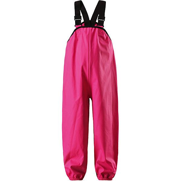 Непромокаемые брюки Lammikko ReimaОдежда<br>Характеристики товара:<br><br>• цвет: розовый;<br>• состав: 100% полиамид, полиуретановое покрытие;<br>• без подкладки;<br>• без дополнительного утепления;<br>• сезон: демисезон;<br>• водонепроницаемость: 10000 мм;<br>• застёжка: без застёжки;<br>• запаянные швы, не пропускающие влагу;<br>• эластичный материал;<br>• без ПВХ;<br>• регулируемый обхват талии;<br>• эластичные манжеты на брючинах;<br>• съёмные эластичные штрипки;<br>• регулируемые подтяжки;<br>• светоотражающие детали;<br>• страна бренда: Финляндия.<br><br>Дети и лужи – отличное сочетание! Но только если дети хорошо защищены. Эти классические брюки для дождливой погоды гарантируют полную защиту. Материал – мягкий, но водонепроницаемый и грязеотталкивающий. К тому же он не «деревенеет» на морозе, поэтому брюки можно носить круглый год. Швы запаяны и абсолютно водонепроницаемы. Удобные эластичные подтяжки удерживают брюки во время активных игр, а штрипки не дадут брючинам задираться на голенищах резиновых сапог. Без подкладки.<br><br>Брюки Reima от финского бренда Reima (Рейма) можно купить в нашем интернет-магазине.