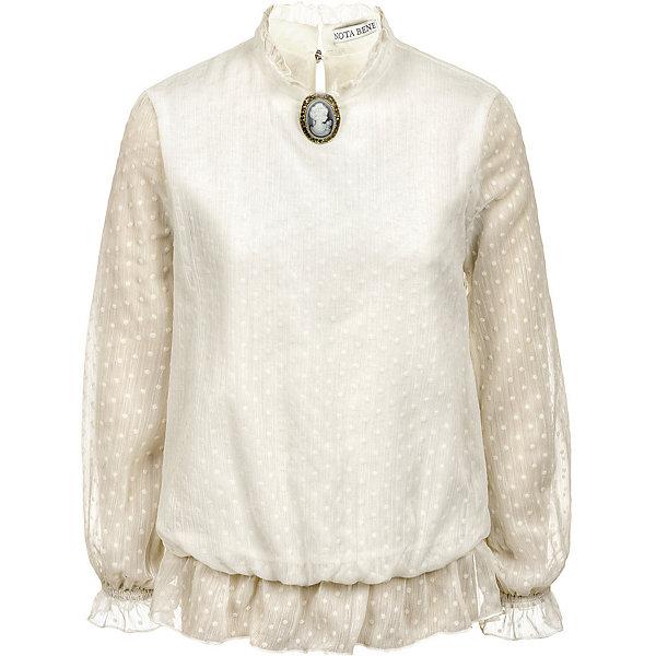 Блузка Nota Bene для девочкиБлузки и рубашки<br>Характеристики товара:<br><br>• цвет: бежевый;<br>• состав: 100% полиэстер;<br>• подкладка: 100% хлопок;<br>• сезон: круглый год;<br>• застёжка: пуговица сзади на горловине;<br>• особенности: школьная, нарядная;<br>• блузка с длинным рукавом;<br>• воротник-стойка;<br>• рукава из шифона на манжете;<br>• декорирована брошкой;<br>• страна бренда: Россия.<br><br>Блузка нарядная для девочки из шифона на подкладке из трикотажного полотна О-силуэта, средней длины. Перед и спинка из шифона на подкладке. Рукава из шифона на манжете с оборкой, собраны по низу на 3 ряда резинки. Горловина круглая с воротником стойкой с оборкой. По низу блуза собирается на резинку, с оборкой из шифона. Рекомендуется предварительная стирка.