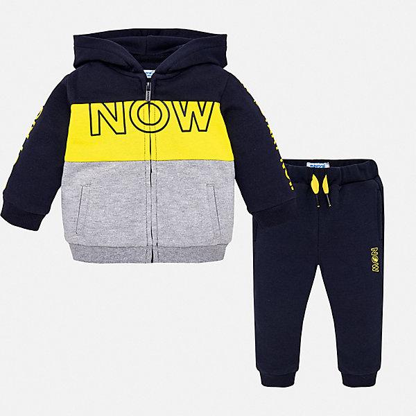 Спортивный костюм Mayoral для мальчикаКомплекты<br>Характеристики товара:<br><br>• цвет: мульти;<br>• комплектация: толстовка, брюки;<br>• состав ткани: 60% хлопок, 40% полиэстер;<br>• сезон: демисезон;<br>• особенности модели: спортивный стиль, с капюшоном;<br>• застежка: молния;<br>• длинные рукава;<br>• талия: резинка, шнурок;<br>• страна бренда: Испания.<br><br>Яркие цвета помогут настроиться заниматься спортом с удовольствием! Стильная толстовка и брюки свободного силуэта - это удобный спортивный костюм для детей от испанской марки Mayoral. Брюки для ребенка - с мягкой резинкой и шнурком в талии, украшены небольшим принтом. Детская толстовка снабжена капюшоном, карманами и молнией по всей длине. Детская одежда от популярной марки Mayoral разработана с учетом последних тенденций в молодежной европейской моде, она сделана из качественного материала и фурнитуры.