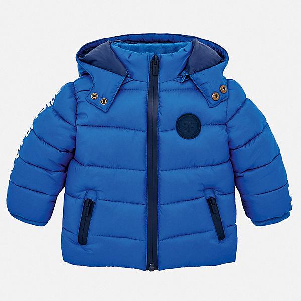 Утепленная куртка MayoralВерхняя одежда<br>Характеристики товара:<br><br>• состав ткани верха: 100% полиамид;<br>• подкладка: 100% полиэстер;<br>• утеплитель: 100% полиэстер;<br>• сезон: демисезон;<br>• температурный режим: от -5 до +10;<br>• особенности модели: с капюшоном, дутая;<br>• капюшон: отстегивается;<br>• застежка: молния;<br>• длинные рукава;<br>• страна бренда: Испания.<br><br>Детская верхняя одежда может быть модной, удобной и теплой одновременно. Эта стильная детская куртка - стильного силуэта и приятной расцветки. Теплая куртка для детей от Mayoral снабжена капюшоном, который легко отстегивается. Куртка для ребенка сделана из прочного качественного материала, она дополнена удобной молнией и карманами. Детская одежда от испанского бренда Mayoral завоевала популярность во многих странах благодаря отличному качеству вещей, а также их стильному и оригинальному дизайну.