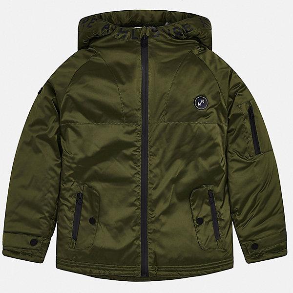 Утепленная куртка MayoralДемисезонные куртки<br>Характеристики:<br><br>• состав ткани: 100% полиэстер<br>• подкладка: 100% полиэстер<br>• утеплитель: 100% полиэстер<br>• сезон: демисезон<br>• застёжка: молния с защитой подбородка<br>• капюшон не отстёгивается<br>• карманы<br>• страна бренда: Испания<br><br>Куртка с мягкой, пушистой и тёплой подкладкой из искусственных материалов по всей поверхности. Надолго сохранит тепло и не позволит холоду проникнуть внутрь. Высокий воротник стойка разу переходит в капюшон, на кромке надпись. Дополнена двумя передними карманами и карманов на молнии на рукаве.