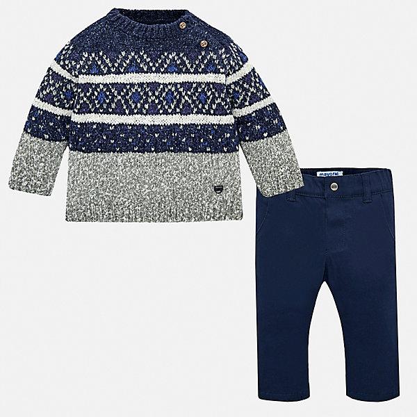 Комплект Mayoral: свитер и брюкиКомплекты<br>Характеристики товара:<br><br>• комплектация: свитер, брюки;<br>• состав ткани свитера: 47% полиэстер, 25% хлопок, 25% акрил, 3% полиамид;<br>• состав ткани брюк: 97% хлопок, 3% эластан;<br>• сезон: демисезон;<br>• застежка: пуговицы;<br>• длинные рукава;<br>• шлевки;<br>• застежка: пуговица;<br>• страна бренда: Испания.<br><br>Такой детский комплект от Mayoral создает комфортные условия на весь день и позволяет коже дышать благодаря наличию в материале натурального хлопка. Комплект для детей состоит из вязаного теплого свитера и однотонных брюк, изделия отлично сочетаются как между собой, так и с другими вещами. Брюки из комплекта для ребенка - классического силуэта, дополнены шлевками для ремня. Теплый детский свитер - с пуговицами на плече и уютным вязаным узором в виде декора.
