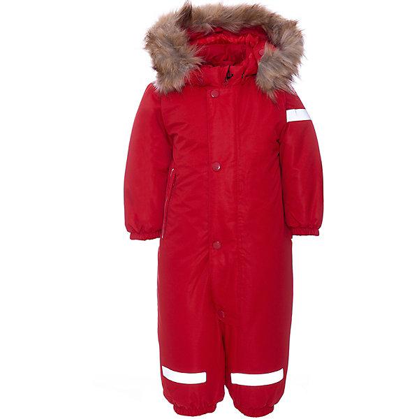 Комбинезон TurnwellВерхняя одежда<br>Характеристики товара:<br><br>• состав: 100% полиэстер<br>• подкладка: 100% полиэстер<br>• утеплитель: 300 г/м2<br>• температурный режим: от 0 до -20С<br>• сезон: зима<br>• водонепроницаемость: 3000 мм<br>• воздухопроницаемость: 3000 мм<br>• водо- и ветронепроницаемый, дышащий и грязеотталкивающий материал<br>• все швы проклеены и водонепроницаемы<br>• гладкая подкладка из полиэстера<br>• эластичные манжеты<br>• застежка: молния с защитой подбородка<br>• безопасный съемный капюшон на кнопках<br>• съемный искусственный мех на капюшоне<br>• внутренняя утяжка по талии<br>• прочные съемные силиконовые штрипки<br>• два кармана на молнии<br>• светоотражающие детали<br>• бренд: Turnwell. Товар данного бренда предусматривает запас на вырост: 6см<br><br>Непромокаемый и прочный детский зимний комбинезон имеет гладкую подкладку из полиэстера. Талия с внутренней утяжкой, что позволяет подогнать комбинезон по фигуре. Снабжен эластичными манжетами на рукавах и концах брючин. Съемные силиконовые штрипки не дают концам брючин выбиваться из обуви. Светоотражающие детали усиливают безопасность.<br><br>Съемный капюшон защищает от ветра, кнопки легко отстегиваются, если капюшон случайно за что-нибудь зацепится. Снабжен мягкой съемной оторочкой из искусственного меха.
