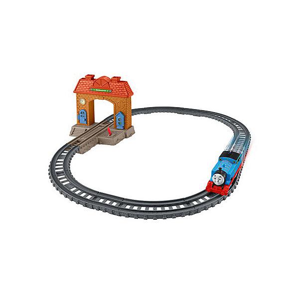 Mattel Железная дорога 2 в 1 Fisher Price Томас и его друзья Вокзал mattel паровозик томас fisher price томас и его друзья