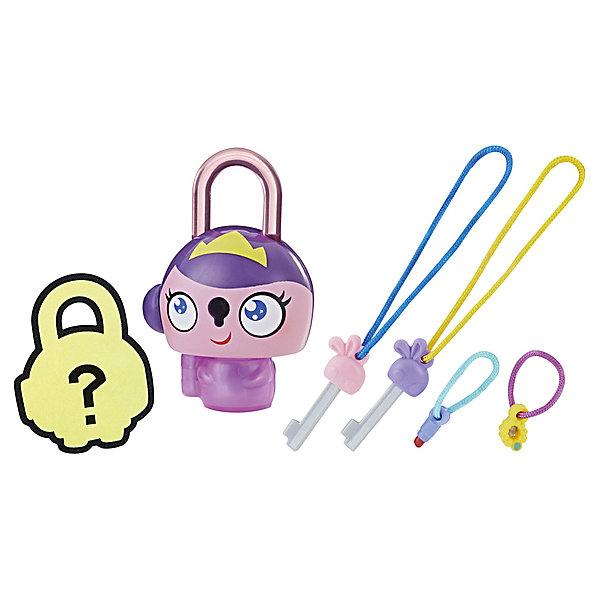 Замочки с секретом Lock Stars, Фиолетовая принцессаКоллекционные фигурки<br>Характеристики:<br><br>• возраст: от 4 лет;<br>• материал: пластик;<br>• в наборе: замочек, мини-замочек, 2 ключика;<br>• вес упаковки: 70 г;<br>• размер упаковки: 3,8х11,4х20,3 см;<br>• страна бренда: США;<br>• упаковка: блистер.<br><br>Коллекционные замочки с секретом Hasbro Lock Stars выполнены в виде забавных фигурок. В каждой упаковке этой серии находится один большой и один мини-замочек, который ребенок сможет увидеть только после вскрытия блистера. Брелоки можно прикрепить к одежде, сумке или в любое другое место.