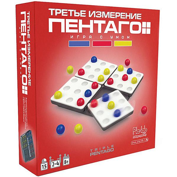 Настольная игра PlayLab Пентаго. Третье ИзмерениеГоловоломки - игры<br>Характеристики товара:<br><br>• возраст: от 7 лет;<br>• в наборе: игровое поле 160х160х15 мм, крышка 170х175х20 мм, карточки 70х70 мм, шарики диаметром 15 мм;<br>• количество игроков: 2-4 человека;<br>• материал: пластмасса, картон;<br>• упаковка – картонная коробка 175х175х30 мм,<br>• вес 440 г<br><br>Настольная игра Пентаго Третье измерение города, состав набора:<br><br>• игровое поле с 4 вращающимися платформами-четвертями<br>• крышка-подставка под шарики<br>• 20 карточек с игровыми комбинациями<br>• 9 желтых шариков<br>• 9 синих шариков<br>• 9 красных шариков<br>• правила<br><br>Обновленная версия «Пентаго» получила своё название благодаря шарикам трёх цветов. Цель игры – выстроить комбинацию из 5 деталей, указанную на карточке-задании. Особенность набора в динамическом игровом поле. После каждого хода вращайте одну из четырёх платформ на 90 градусов против или по часовой стрелке. Выкладывая элемент на доску, вы никогда не знаете, как «повернёт игру» ваш соперник. Если вам удалось собрать предложенную линию, то предыдущий участник выбывает из соревнования. Побеждает тот, кто остаётся в игре последним.<br>Ребенок учится выстраивать стратегию, мыслить последовательно, развивает логику, концентрирует внимание на конкретной задаче. Неожиданные повороты платформ делают игру всегда интересной и волнующей. Простые и понятные правила позволяют соревноваться самым юным участникам. Компактный набор удобно взять с собой в дорогу.