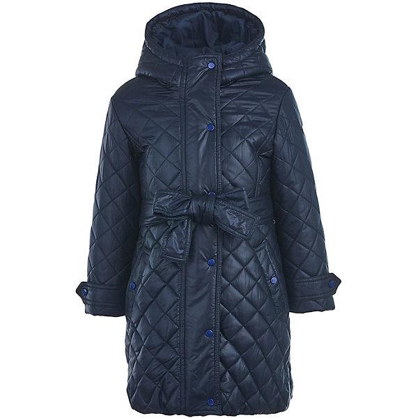 Пальто Button Blue для девочкиВерхняя одежда<br>Характеристики товара:<br><br>• цвет: синий;<br>• состав: 100% полиэстер;<br>• подкладка: 100% хлопок/100% полиэстер;<br>• утеплитель: 100% полиэстер;<br>• сезон: демисезон;<br>• температурный режим: от +5 до -10С<br>• застёжка: молния с дополнительной планкой на кнопках;<br>• особенности: стёганное;<br>• пальто с капюшоном;<br>• капюшон не снимается;<br>• капюшон регулируется шнурком-утяжкой со стоппером;<br>• регулируемые манжеты на кнопках;<br>• пояс в комплекте;<br>• карманы на кнопках;<br>• коллекция: Основная коллекция;<br>• страна бренда: Россия.<br><br>Стеганое демисезонное полупальто с утеплителем от Button Blue – не только удобная и практичная, но и модная вещь, которая украсит гардероб девочки. Модель может похвастаться комфортной длиной и удачной формой, удобными карманами. В талии пальто перехвачено поясом, что создает стильный силуэт.