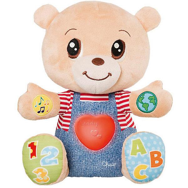 Говорящий мишка Chicco Teddy EmotionИнтерактивные мягкие игрушки<br>Характеристики:<br><br>• возраст: от 6 месяцев;<br>• материал: плюш;<br>• озвученная: да;<br>• язык: русский, английский;<br>• количество мелодий: 36;<br>• регулятор громкости: да;<br>• световые эффекты: да;<br>• тип батареек: 3хААА;<br>• наличие батареек: в комплекте;<br>• вес упаковки: 455 г;<br>• размер упаковки: 21х18х30 см;<br>• страна бренда: Италия.<br><br>Говорящий мишка Chicco Teddy Emotion научит кроху различать эмоции, считать до 10 и познакомит с первыми буквами алфавита. В зависимости от эмоции мишки, сердечко на его груди загорается разными цветами. Игрушка воспроизводит мелодии, песенки и звуки, имеет миловидный дизайн и полностью безопасна для малышей.