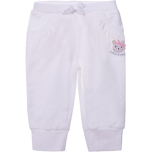 Спортивные брюки Original Marines для девочкиДжинсы и брючки<br>Характеристики товара:<br><br>• цвет: белый;<br>• состав: 94% хлопок, 6% эластан;<br>• сезон: демисезон;<br>• застёжка: брюки на резинке;<br>• спортивная модель;<br>• манжеты брючин на мягкой эластичной резинке;<br>• мягкая эластичная резинка на талии;<br>• карманы;<br>• декорированы принтом и бантиком;<br>• страна бренда: Италия.<br><br>Спортивные брюки сделаны из дышащего материала. Дополнены карманами. Брюки на мягкой эластичной резинке. Декорированы аппликацией и бантиком на талии. Брюки обеспечат ребенку комфорт, благодаря продуманному крою. Детские брюки комфортно сидят, не вызывают неудобств.