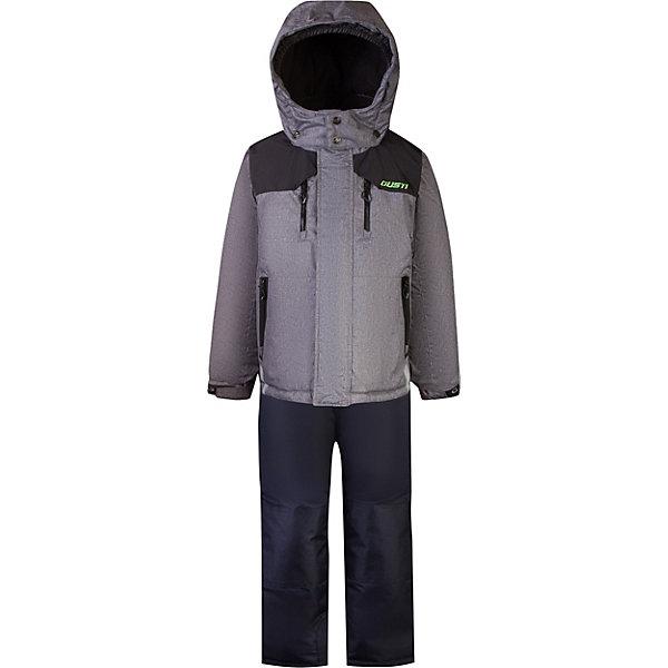 Комплект GUSTI для мальчикаВерхняя одежда<br>Характеристики товара:<br><br>• цвет: серый;<br>• комплектация: куртка, полукомбинезон;<br>• отстегивающийся верх полукомбинезона в возрасте от 7 до 14 лет;<br>• состав ткани: 100% полиэстер;<br>• подкладка: 100% полиэстер, флис;<br>• утеплитель: 100% полиэстер (полифилл 283 гр/кв.м, 170 гр/кв.м);<br>• мембрана;<br>• сезон: зима;<br>• температурный режим: от -30 до +5;<br>• водоотталкивающая способность: 5000 мм;<br>• воздухопроницаемость: 5000 г/м;<br>• плотность ткани: Т190;<br>• особенности модели: с отстегивающимся капюшоном;<br>• застежка: молния;<br>• снегозащитная юбка;<br>• светоотражающие детали;<br>• возможность удлинения рукавов и штанин;<br>• усилены места наибольшего истирания;<br>• страна бренда: Канада.<br><br>Для холодной погоды ребенку важно приобрести качественную верхнюю одежду. Мембранный детский комплект состоит из полукомбинезона и куртки, на них есть светоотражающие детали. Полукомбинезон для ребенка легко одевается и надежно сидит благодаря подтяжкам и молнии. Детская куртка - с удобным капюшоном, ветрозащитной планкой и застегивающими карманами. Материал комплекта для детей помогает создать оптимальный для ребенка микроклимат в холодную погоду, он отличается хорошей износостойкостью, легко чистится. Одежду для детей от популярного канадского бренда GUSTI выбирают многие родители, она помогает создать для ребенка действительно комфортные условия, долго служит и стильно выглядит.