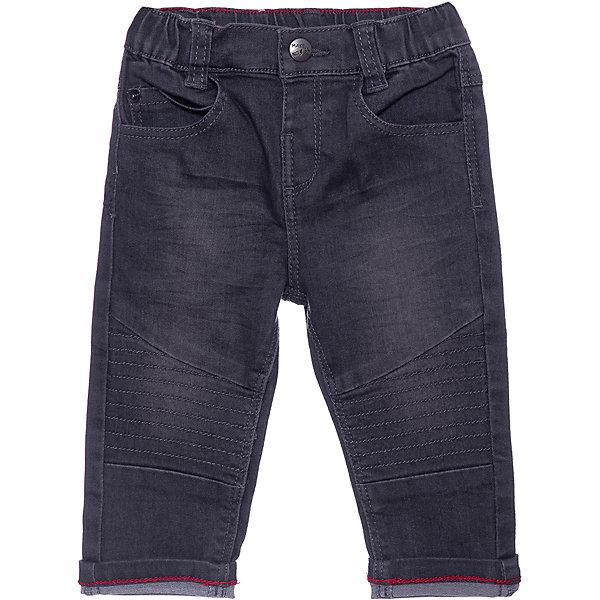 Джинсы Z для мальчикаДжинсы<br>Характеристики:<br><br>• цвет: серый;<br>• состав: 76% хлопок, 22% полиэстер, 2% эластан;<br>• сезон: демисезон;<br>• застёжка: джинсы на резинке, пуговица, ширинка;<br>• джинсы с эффектом потёртостей;<br>• наличие шлёвок для ремня;<br>• классическая пятикарманная модель;<br>• страна бренда: Франция.<br><br>Джинсы для мальчика от французского бренда Zet (Зет). Коленные пятна. Контрастные швы красного цвета в некоторых местах. Карманы спереди и сзади. Эластичная талия.